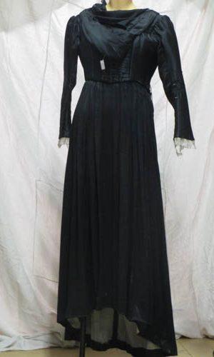 femmes archives page 6 de 13 costume sur seine. Black Bedroom Furniture Sets. Home Design Ideas
