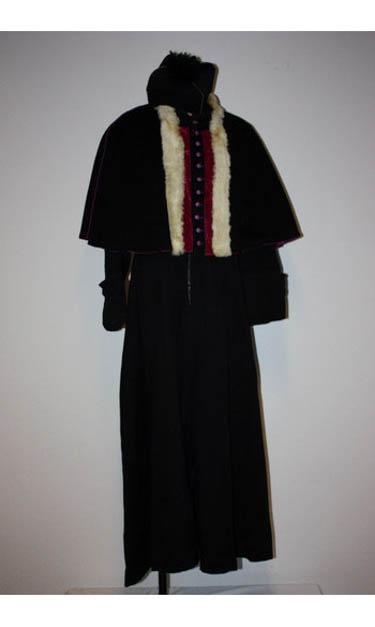 reli 19 costume sur seine. Black Bedroom Furniture Sets. Home Design Ideas