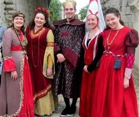 Costumes Moyen Age