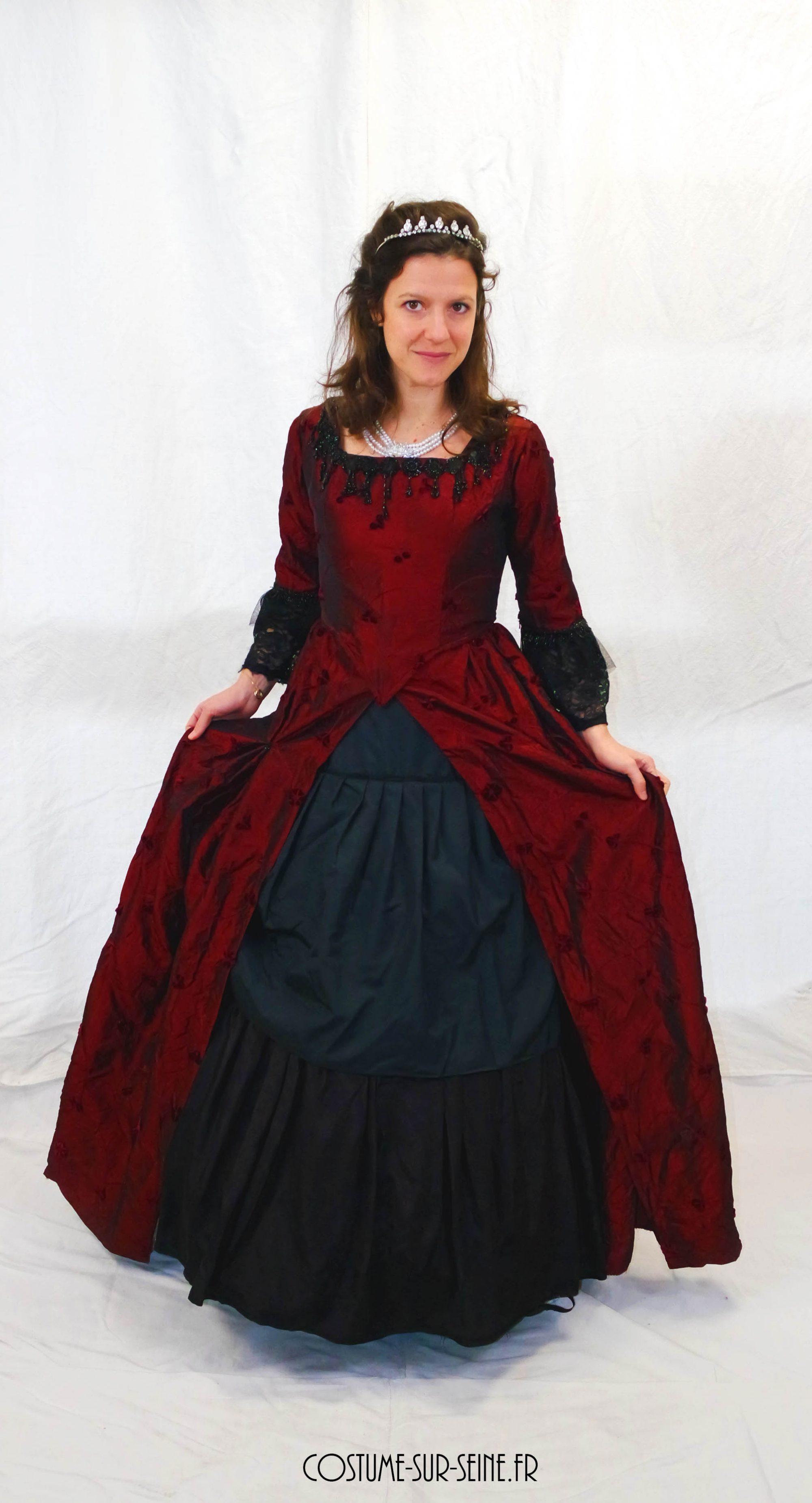 robe XVIIIe rouge et noir révérence