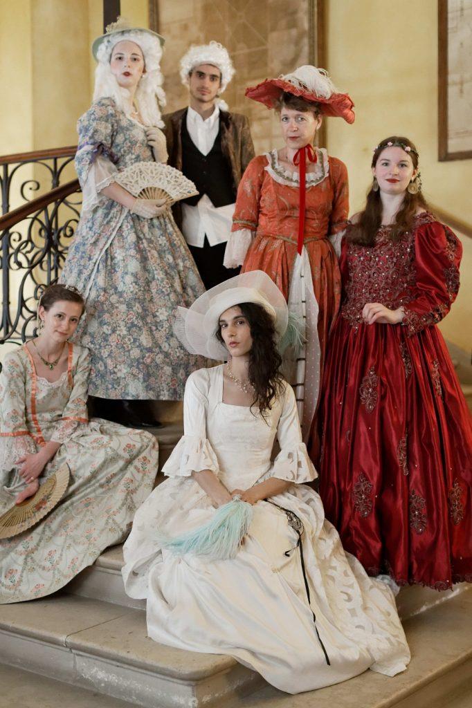 Robes et Bustier XVIIIe siècle Marie-Antoinette Versailles