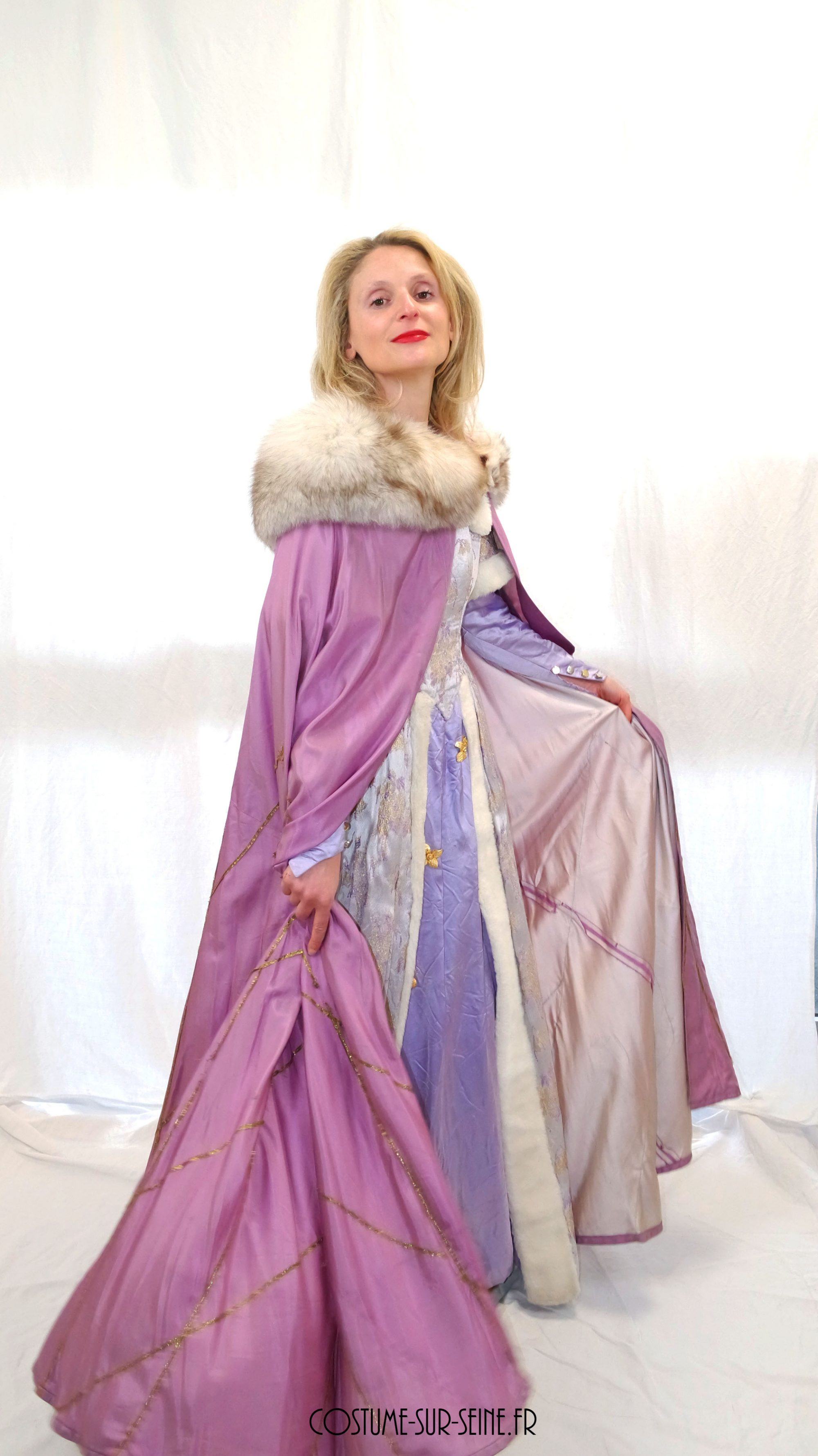 Noble dame cour Moyen age