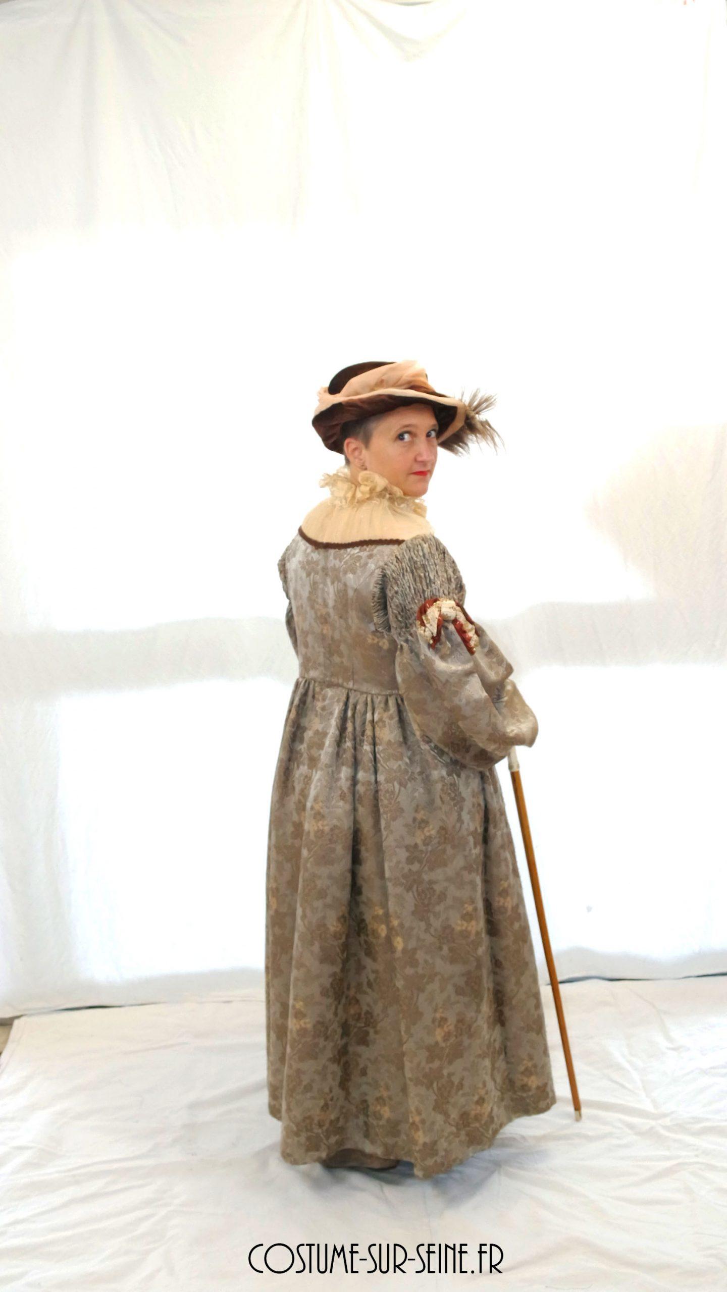 Robe  riche maîtresse de maison